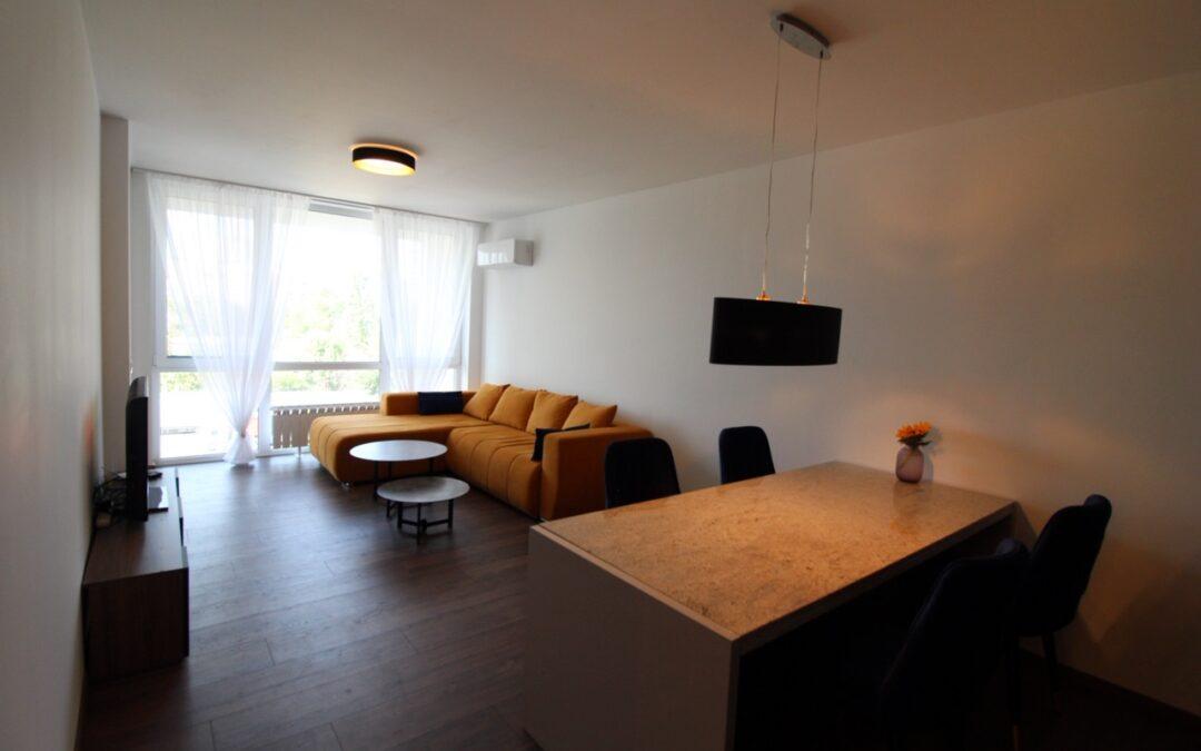 Двустаен апартамент кв.Дианабад 199900 EUR